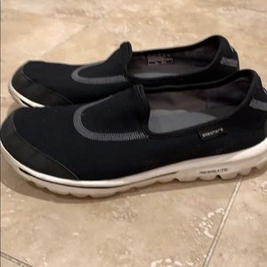 Sketchers size 7 black